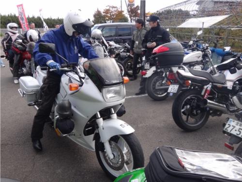 08バイクが多いと取締.JPG