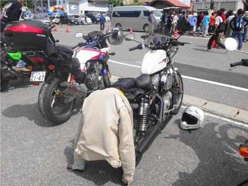 09_ANIKIさんとredさんバイク.JPG