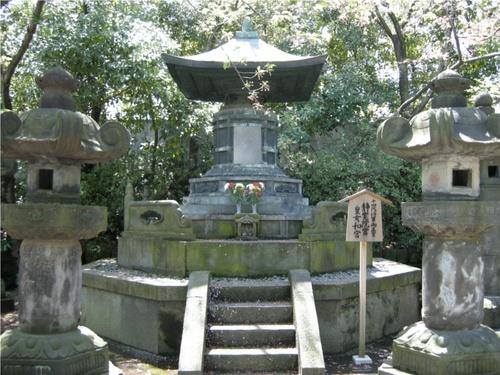 10皇女和宮霊廟.JPG